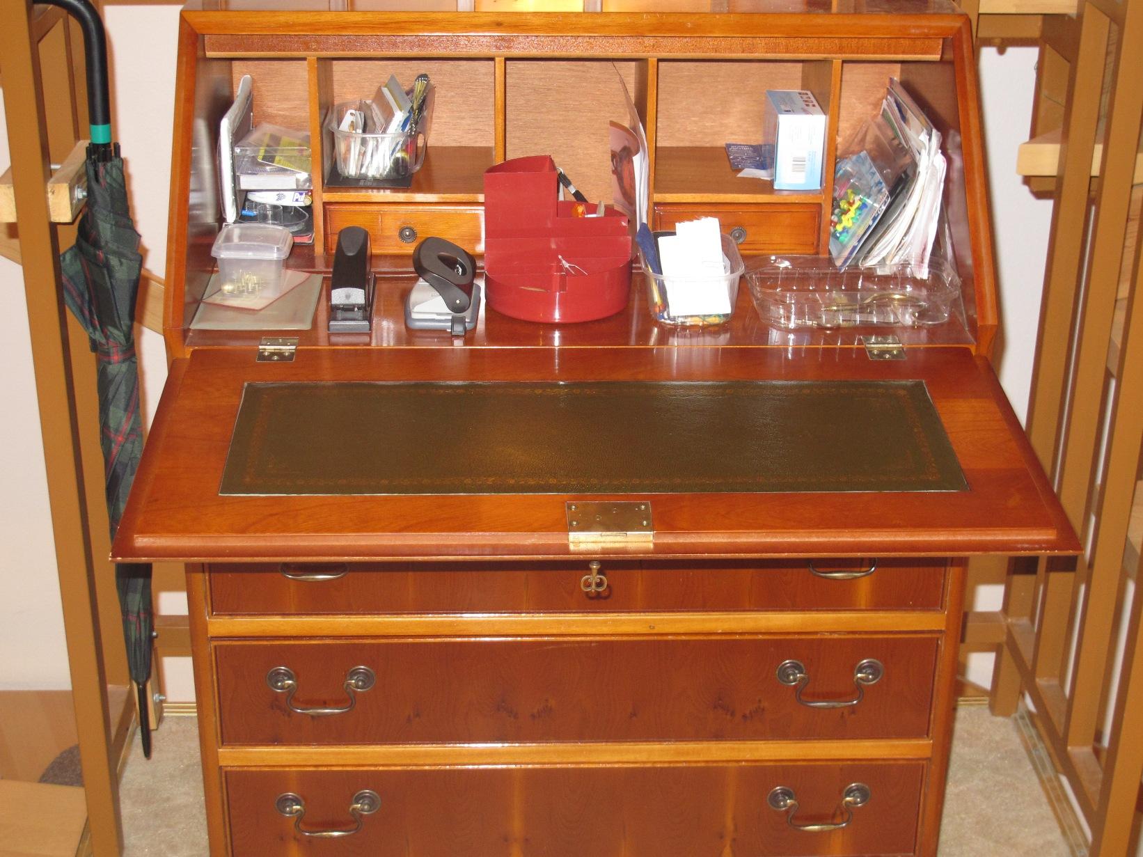 sch ner sekret r 95x75x43 cm schreibtischschrank abschlie bar holz b roschrank ebay. Black Bedroom Furniture Sets. Home Design Ideas