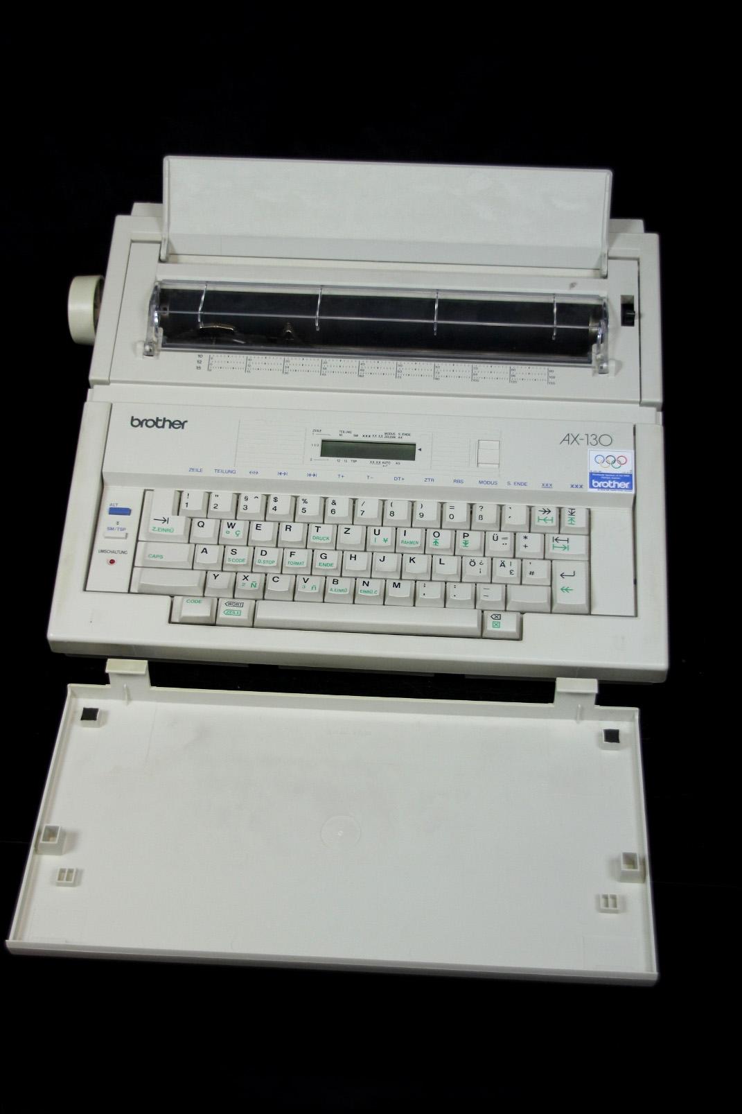 brother ax 130 elektrische reise schreibmaschine typewriter elektronisch ebay. Black Bedroom Furniture Sets. Home Design Ideas