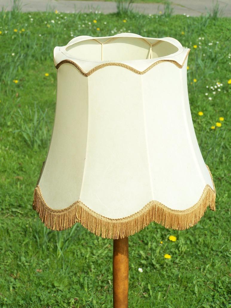 ostalgische ddr stehlampe textil lampenschirm mit franzen. Black Bedroom Furniture Sets. Home Design Ideas