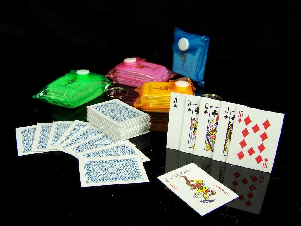 5x 54 mini poker spiel karten schl sselanh nger tasche. Black Bedroom Furniture Sets. Home Design Ideas