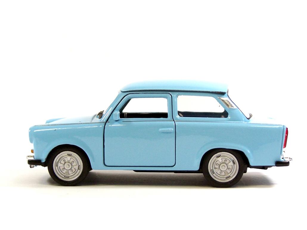welly modellauto trabant 601 creme hellblau 1 32. Black Bedroom Furniture Sets. Home Design Ideas