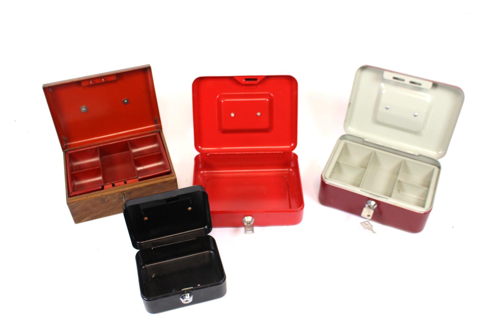 4 er set geld kassetten stahl metall m schl ssel rot braun alte kassette kasse ebay. Black Bedroom Furniture Sets. Home Design Ideas
