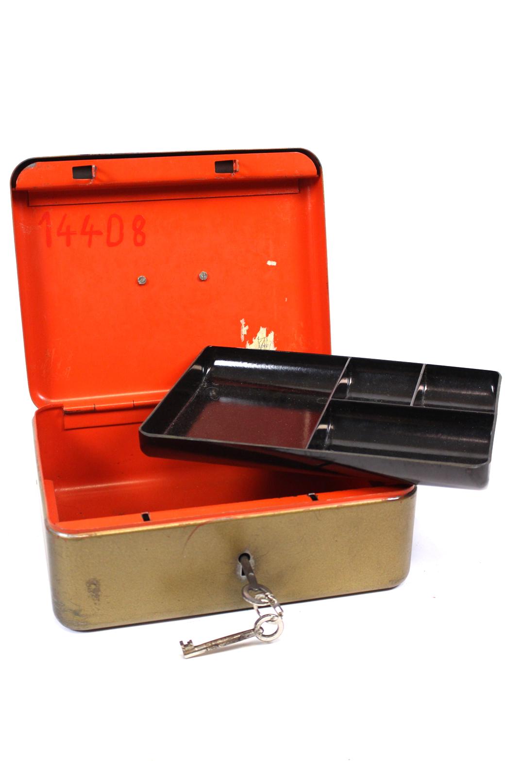 ddr geldkassette stahl metall gold braun 2 schl ssel geldfach kassette kasse ebay. Black Bedroom Furniture Sets. Home Design Ideas