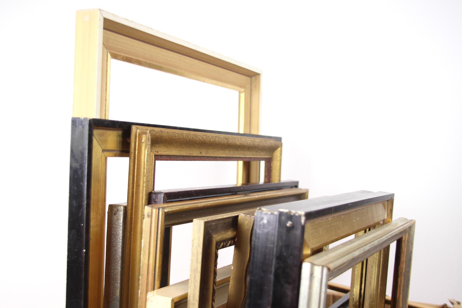 set 26 antike prunkrahmen goldfarbene bilderrahmen stuckrahmen diverse gr en ebay. Black Bedroom Furniture Sets. Home Design Ideas