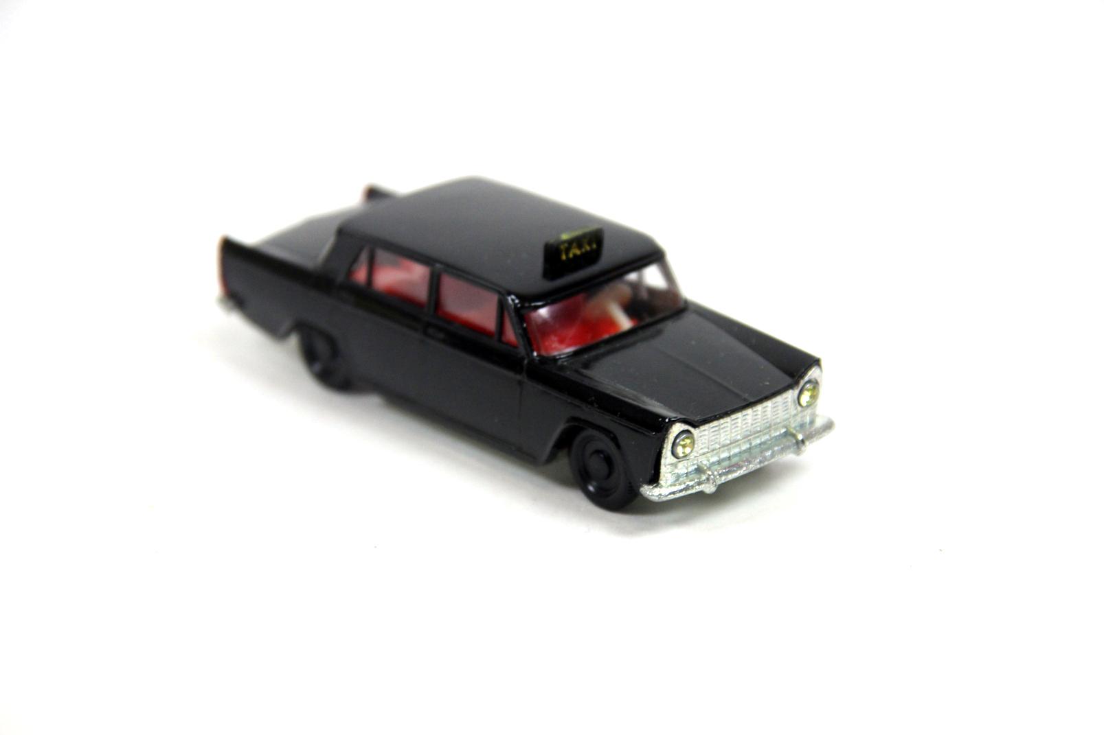 siku super serie v 244 fiat 1800 taxi modellauto zink guss auto kfz schwarz ovp ebay. Black Bedroom Furniture Sets. Home Design Ideas