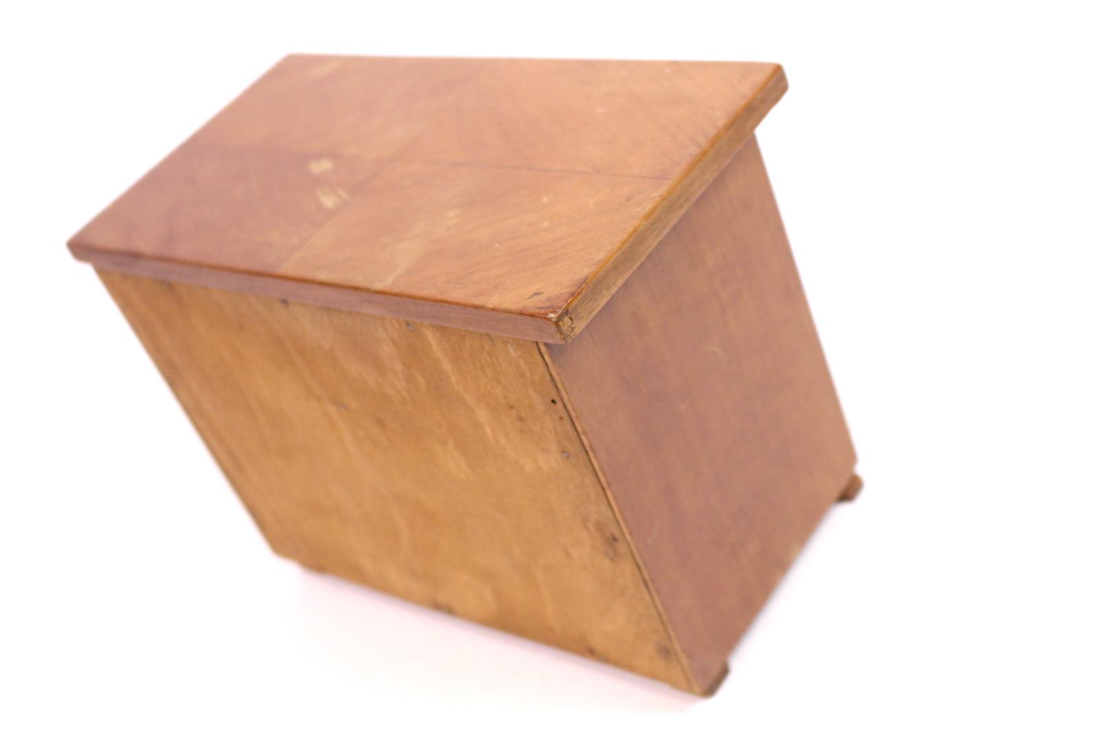 Alter puppenschrank kleine kommode antik holz 22x17x12 cm for Kleine kommode holz