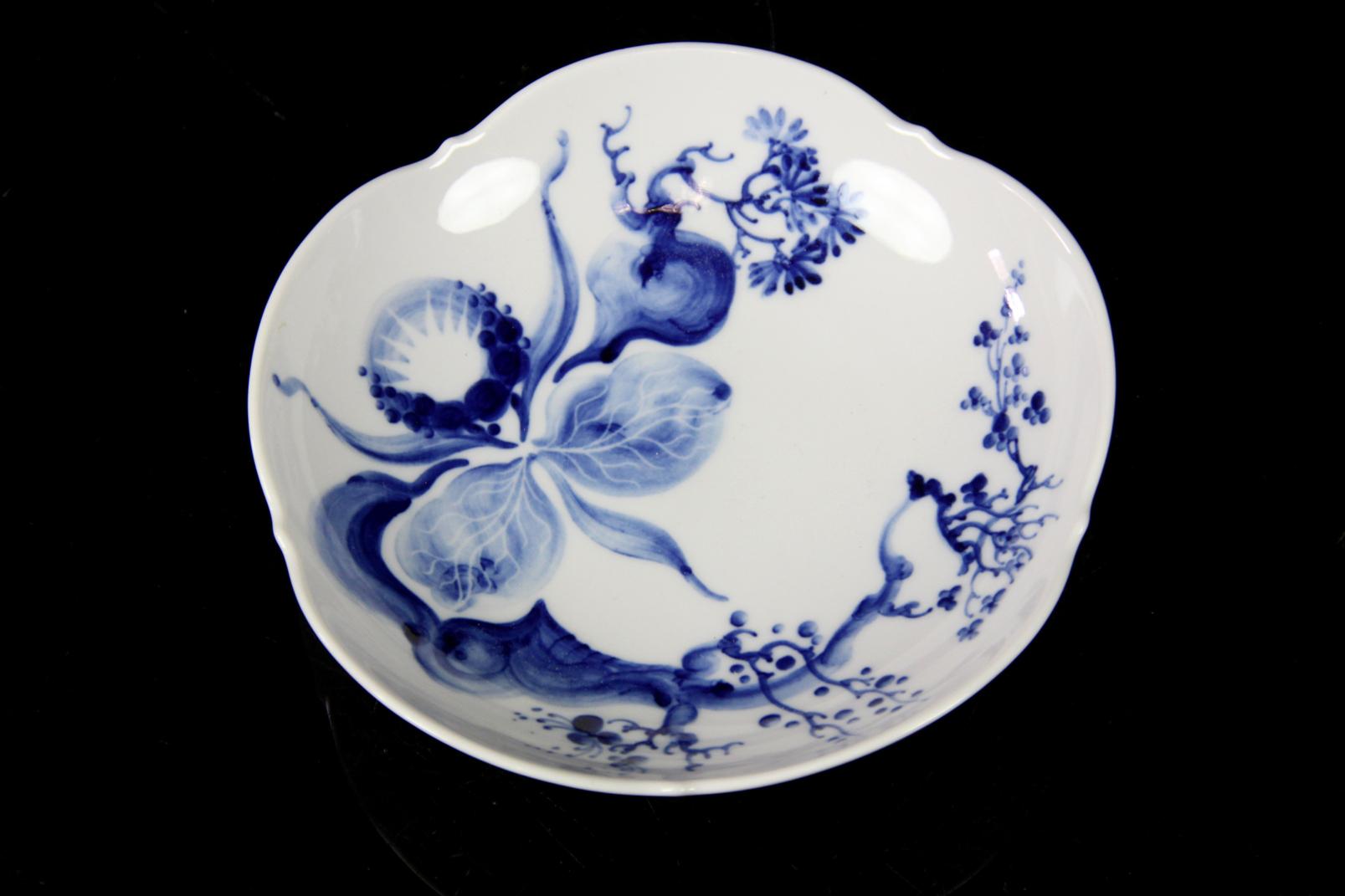 exquisites mokkagedeck original meissen schwertermarke blaue orchidee auf ast 3 ebay. Black Bedroom Furniture Sets. Home Design Ideas
