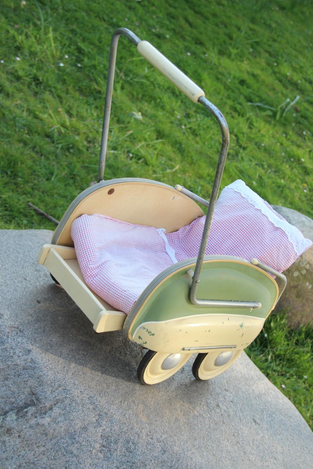 nostalgischer puppen kinderwagen vintage retro 1950 sport. Black Bedroom Furniture Sets. Home Design Ideas