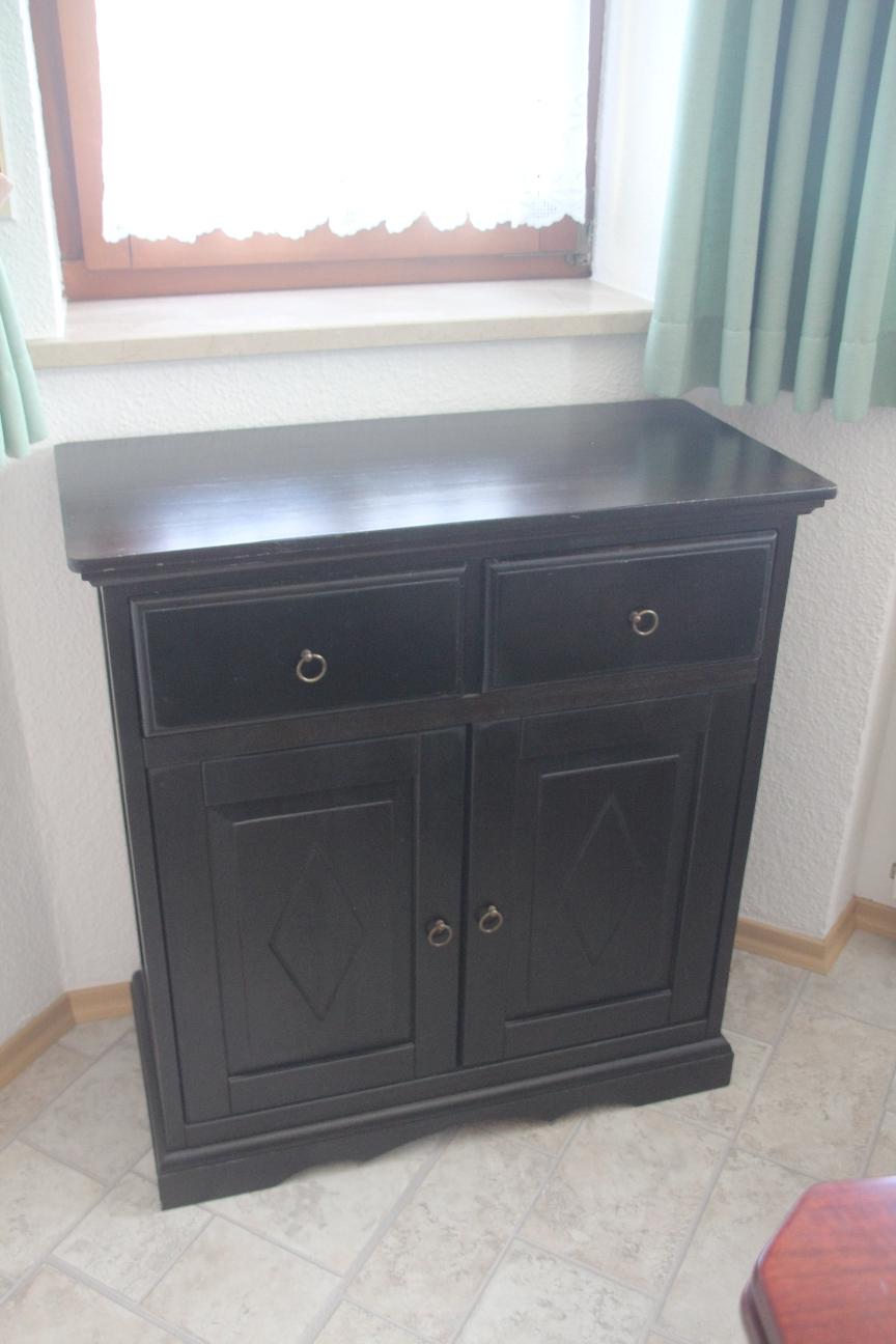 edle kommode im kolonial stil anrichte schubladen schrank. Black Bedroom Furniture Sets. Home Design Ideas