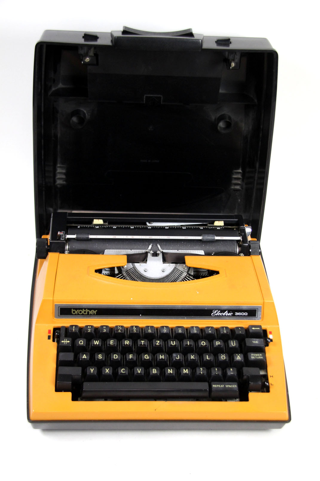 brother electric 3600 reise schreibmaschine orange typewriter elektrisch ebay. Black Bedroom Furniture Sets. Home Design Ideas