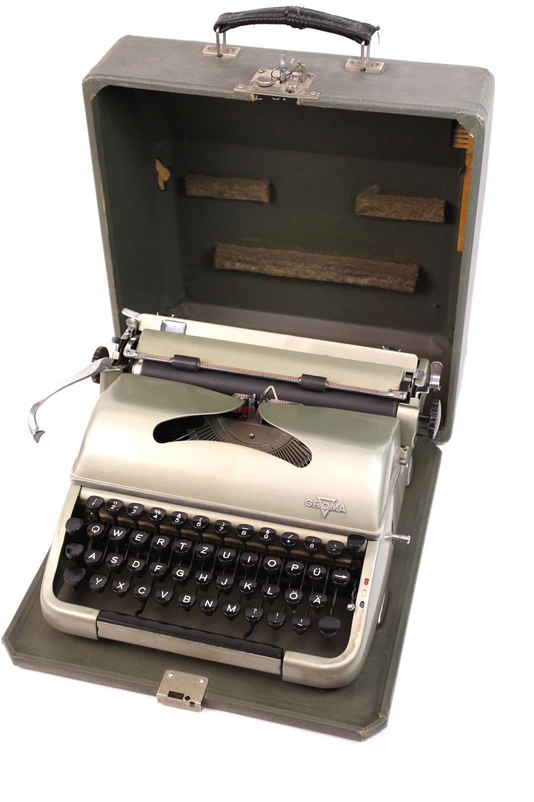 groma reise schreibmaschine khaki metallik ddr typewriter um1950 vintage. Black Bedroom Furniture Sets. Home Design Ideas