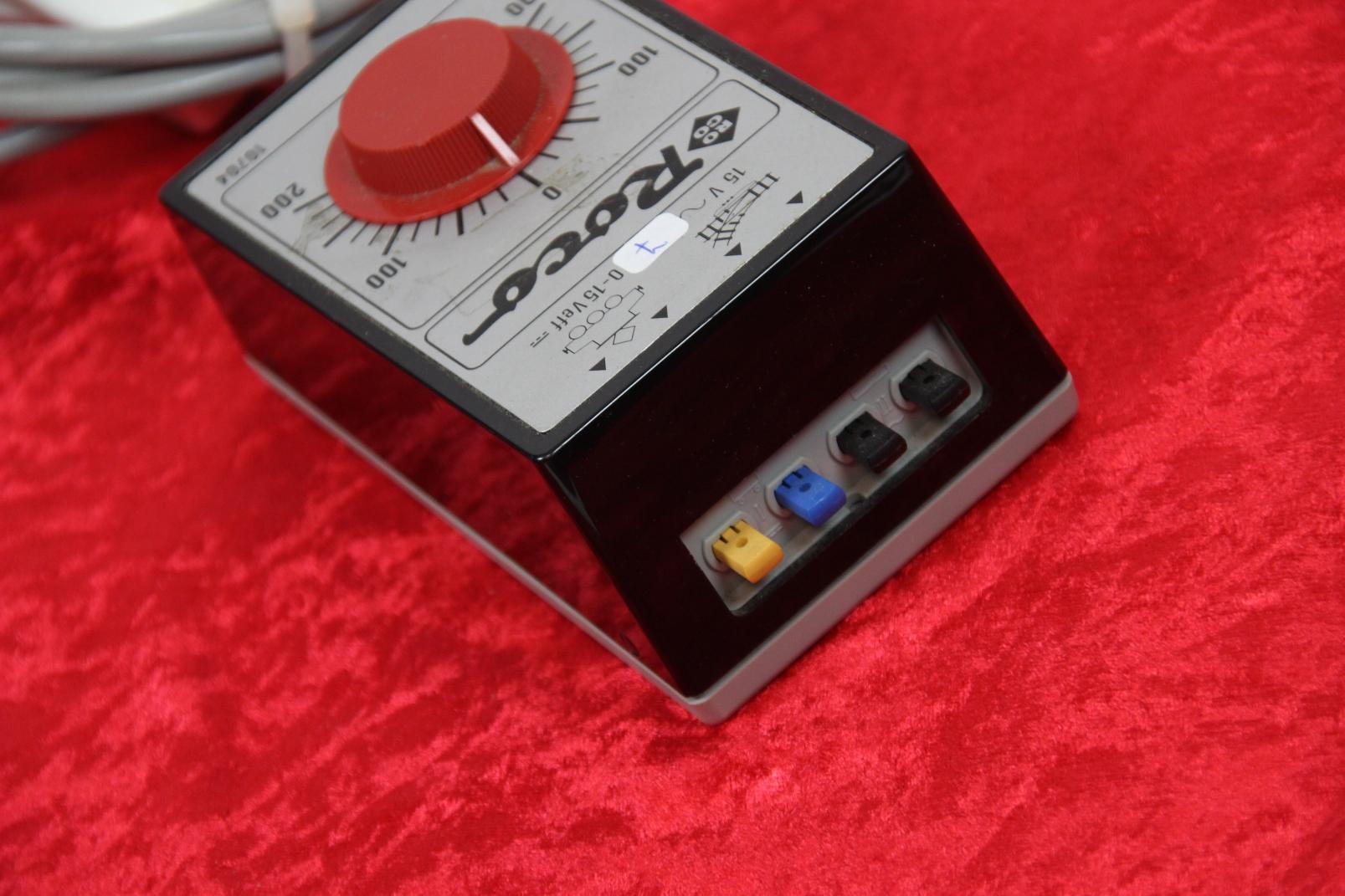 roco 10704 regel transformator 0 15 v f r spur h0 tt modellbahn regeltrafo trafo ebay. Black Bedroom Furniture Sets. Home Design Ideas