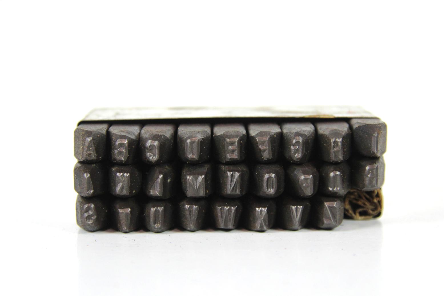 26 schlagbuchstaben a z 5 mm ddr schlagziffern. Black Bedroom Furniture Sets. Home Design Ideas