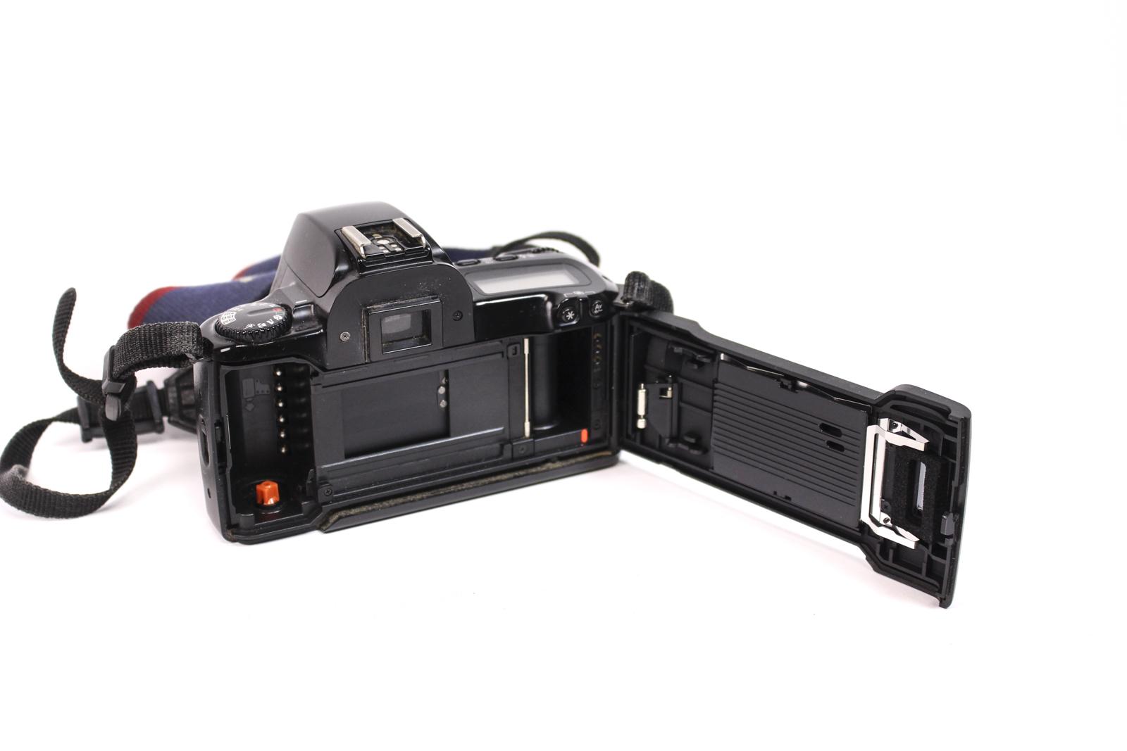 canon eos 500 analoge spiegelreflexkamera slr analogkamera. Black Bedroom Furniture Sets. Home Design Ideas